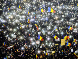 In Romania, Protests Prompt Government to Rescind Corruption Bill