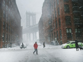 Monster Snowstorm Barrels up East Coast