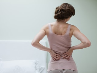 Sore Back? Try Heat and Exercise First, Guidelines Say