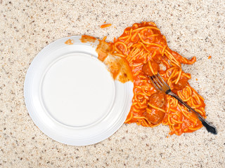 What to do when tomato sauce stains your carpet, furniture or clothes