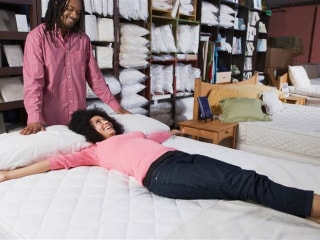 Is That Presidents' Day Mattress Sale Really A Good Deal?