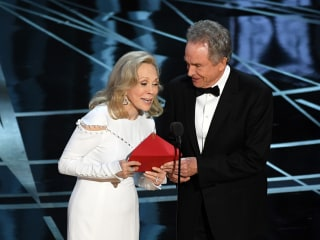 Faye Dunaway Recalls Moment She Gave Oscar to Wrong Movie