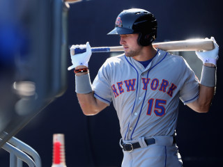 Tim Tebow Reports to Mets' Spring Training Camp