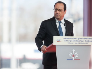 French Police Sharpshooter Accidentally Wounds Two During President's Speech