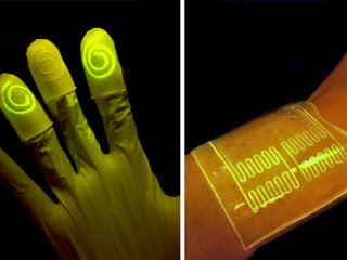 Light-Up 'Living' Gloves May Transform Crime Scene Investigations