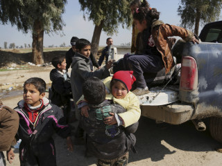 Tens of Thousands Displaced as Iraqi Forces Near Mosul City Center