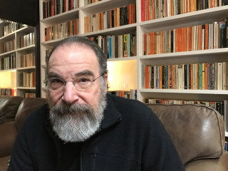 Mandy Patinkin Thinks He Can Change Trump's Mind on Refugees