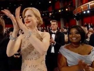 Nicole Kidman Explains Those 'Seal Hands' at the Oscars