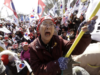 Crowds Clash in Seoul As South Korean Court Removes President