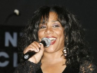 Joni Sledge, Who With Sisters Recorded 'We Are Family,' Dies at 60