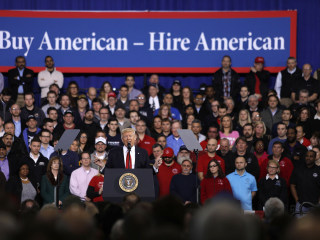 Trump Rolls Back Obama-Era Fuel Economy Standards