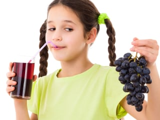The best ways to remove dark grape juice from clothes, carpets or furniture