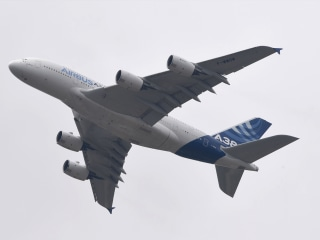 Private Jet Flipped Over in Wake Turbulence From Airbus A380: Reports