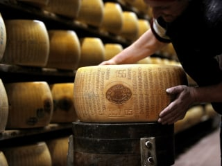 Wine and Cheese Thieves Nabbed After Heists Net $200K in Luxury Food: Cops