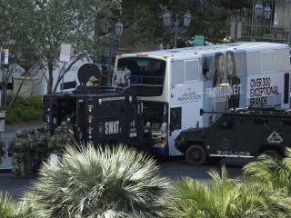 1 Dead, Suspect Surrenders in Las Vegas Strip Bus Shooting and Standoff