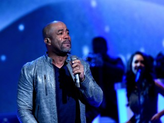 Darius Rucker Tears Up as South Carolina Advances to Final Four