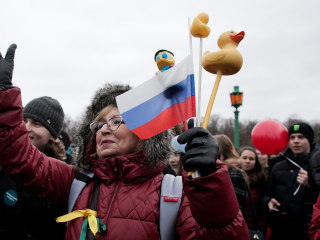 Russia's Protests Explained: Why Rubber Ducks, Sneakers Are at Demonstrations