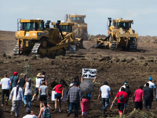 Dakota Access Pipeline Now Has Oil Beneath Missouri River, Company Says