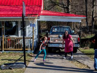 Desperate Families Driven to Black Market Insulin