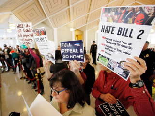 HB2 Repeal: North Carolina Legislature Votes to Overturn Controversial 'Bathroom Bill'