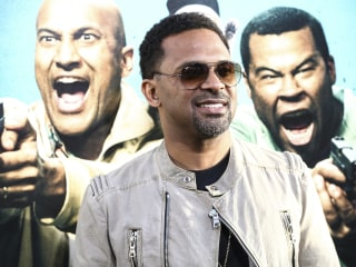 Comedian Mike Epps Apologizes for Dancing With Kangaroo on Stage in Detroit