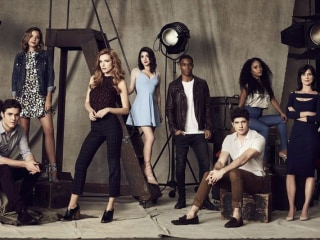 'Famous in Love' Explores Hollywood's Glamour and Darkness
