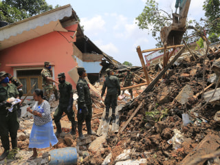 Sri Lanka Garbage Dump Disaster: 100 Feared Dead After Trash Pile Collapse