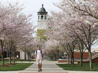 Western Kentucky Univ. Students Pass Bill For Free Tuition as Reparations