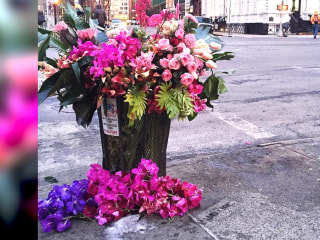 'Flower bandits' transform NYC trash cans into beautiful bouquets