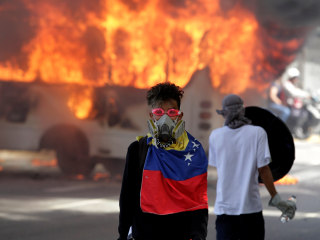 Venezuela Protests: Roads Blocked as Anti-Maduro Demonstrations Persist