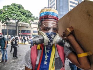 Crafty Venezuelans Use Fecal Bombs and Bottle Masks Against Maduro
