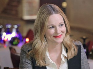 Laura Linney Talks 'Love Actually' Reunion