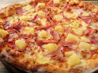 Alleged Inventor of Controversial 'Hawaiian' Pizza Dies in Canada