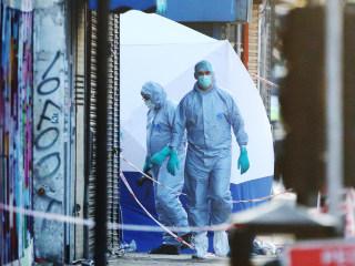Van Hits Muslim Worshippers Near London Mosque