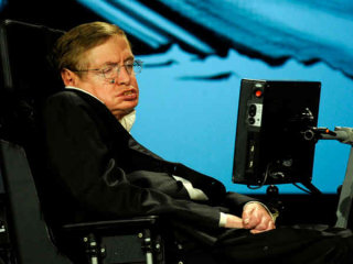 Stephen Hawking Wants Humans to Reach Other Worlds Via a Beam of Light