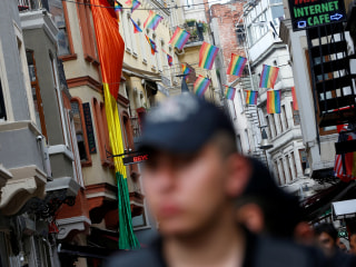 2017 Pride Month: Istanbul Activists Gather to March In Defiance of Ban