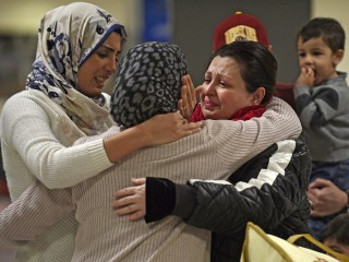 U.S. Defines Who Can Enter Under Travel Ban