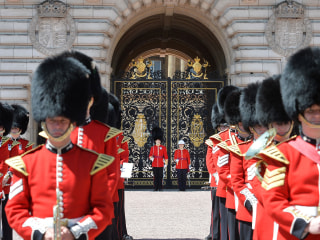 Change at Changing of the Guard: Female Infantry Officer Commands Troops in Royal First