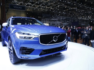 Volvo Is First Automaker to Offer Electric or Hybrid Only
