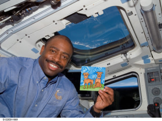 This Astronaut Caught Passes in the NFL Before Dining on the ISS