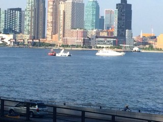 Seaplane Lands in New York's East River, 7 Rescued