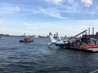 Seaplane Lands in New York's East River, 10 Rescued