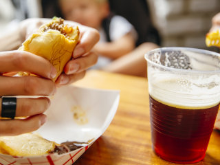 Restaurant's one drink limit for parents dining with kids stirs controversy