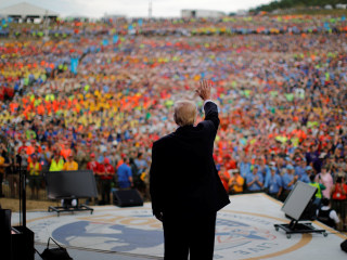Trump Talks 'Fake News,' 'Killing Obamacare,' 'Merry Christmas' at Scout Jamboree