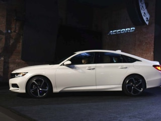 Honda Hopes to Revitalize Midsize Sedan Market with All-New '18 Accord