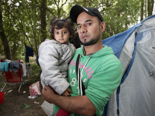 Migrants Return to Dunkirk and Calais 'Jungle' as France Tackles Human Tide