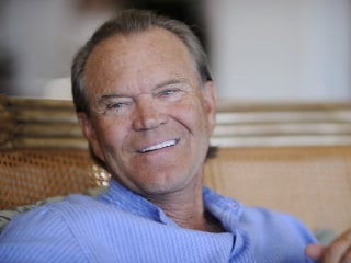 Glen Campbell a 'Striking Example' of Alzheimer's Quirks