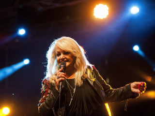 Bonnie Tyler to Perform 'Total Eclipse of the Heart' During Eclipse