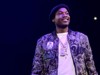 Prosecutors support new trial for Meek Mill, but rapper will remain in prison