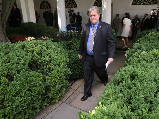 Hours After White House Exit, Bannon Returns to Breitbart News